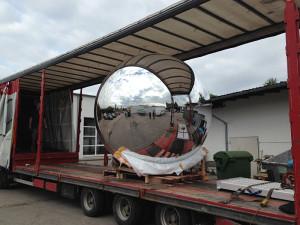 Riesige Kugel - Transport
