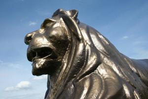 lebensgroße figur - Löwe
