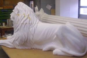 lebensgroße Figur - Styroporlöwe