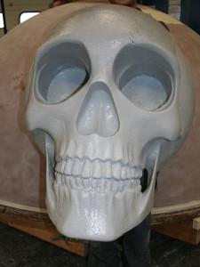 Styropor Schädel laminiert