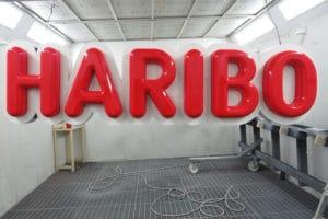 HARIBO Schriftzug fertig lackiert